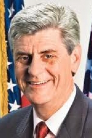 Co-Chair: Gov. Phil Bryant (MS)